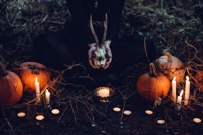 Halloween Backgrounds - Image Collection